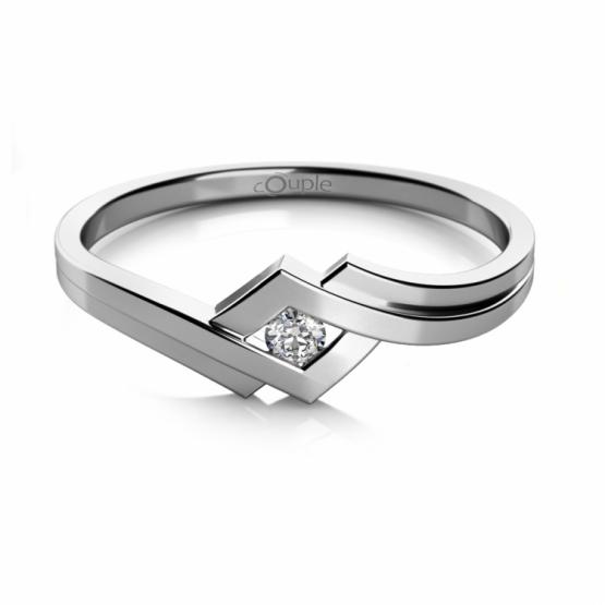 Originální prsten Kira v bílém zlatě se zirkonem
