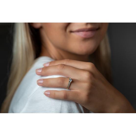 Couple, Třpytivý zásnubní prsten Esme, žluté zlato a zirkony, vel.: 56, ø17,8 mm, 5210046-0-56-1