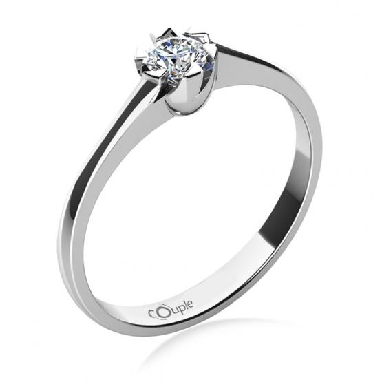 Zajímavý zásnubní prsten Jess, bílé zlato a briliant