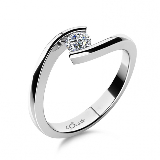 Minimalistický zásnubní prsten Freya s výrazným zirkonem