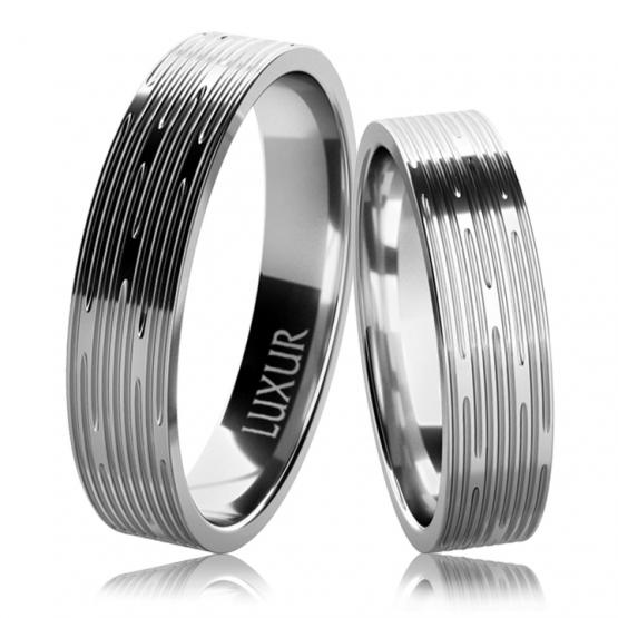 Luxur, Snubní prsteny Drake