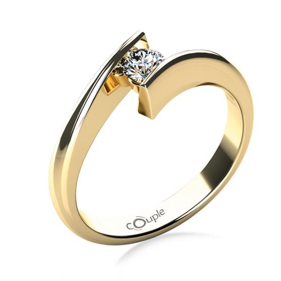 Zásnubní prsten Viky ve žlutém zlatě s drobným briliantem