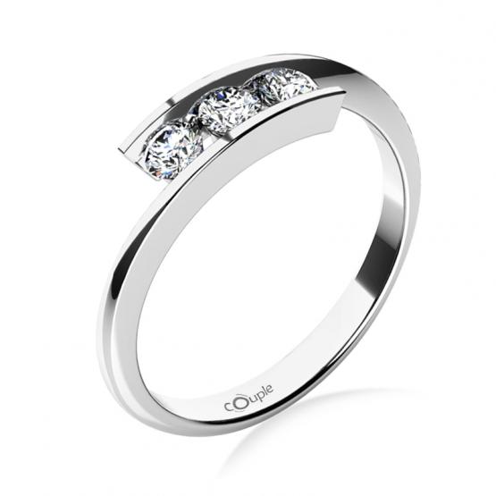 Zásnubní prsten Seraphine, bílé zlato a brilianty